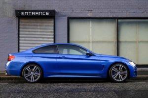 coche azul en españa